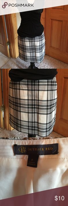 Ladies mini skirt Black, gray and white plaid mini skirt by Outback Red /Limited. Size 2 The Limited Skirts Mini