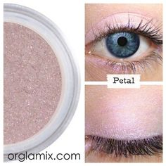 Luxe cruelty free makeup: eyes, lips and face. The best mineral makeup handcrafted with love & made fresh daily. Try our monthly beauty box subscription today Rose Gold Eyeshadow, Mineral Eyeshadow, Cream Eyeshadow, Mineral Cosmetics, Cranberry Eyeshadow, Luminous Colours, Cruelty Free Makeup, Color Effect, Makeup Tips
