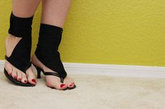 For awhile I've been wanting some cuff ankle sandals but I haven't found a pair that I absolutely love yet so I decided to make my own version! I had some older black thong heels that I don't really wear anymore so I added some black fabric and now they look completely different and updated! You…