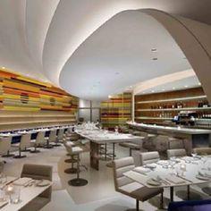 Restaurante The Wright, no museu Guggenheim de Nova York, EUA. Projeto do arquiteto Andre Kikoski. #restaurante #restaurant #sentidos #sense #artes #arts #arte #art #decor #decoração #architecturelover #architecture #arquitetura #design #interior #interiores #projetocompartilhar #davidguerra #shareproject #newyork #nyc #ny #novayork #eua #usa #guggenheim #thewright #andrekikoski