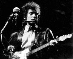 Bob Dylan goes electric, Newport Folk Festival 1965, by David Gahr.