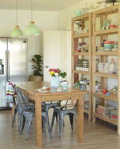 Hola! Hoy les muestro otra foto que amé de mi cocina de @rochilanu y @soloparami para @revistatigris  Que tengan un hermoso día!