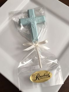 Chocolate Cross Lollipops... Baptism, Christening, First Holy Communion, Religious Party Candy Favors... www.rosebudchocolates.com Christening Party Favors, Communion Party Favors, First Communion Decorations, First Communion Favors, Baptism Favors, First Holy Communion, Baptism Ideas, Boy Baptism, Baptism Desserts