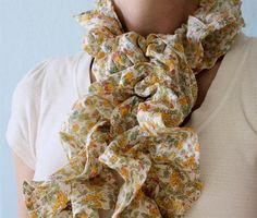 DIY ruffled scarf.