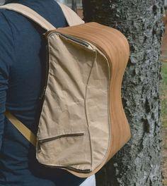 mochila e banquinho