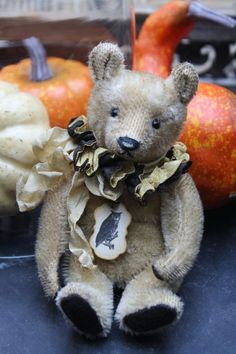Hug Me Again collectible Teddy bear, Traditional style and well aged.