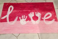 """Ganz einfach: Handabdruck als O und Fußabdrücke als V für das Wort """"Love"""" (Mit Acrylfarben gemacht) Finde ich eine super tolle Idee. Kinderhände & Kinderfüße bieten sich hierbei gut an :)"""