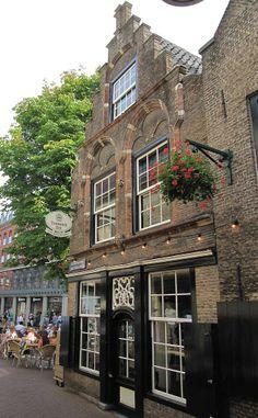 Old Dutch house at Blindeliedengasthuissteeg, Dordrecht, Zuid-Holland. #netherlands #house