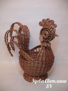 Diy And Crafts, Arts And Crafts, Newspaper Crafts, Paper Basket, Paper Beads, Basket Weaving, Crafty, Handmade, Quilling