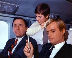 the man from uncle Spy Shows, 60s Tv Shows, Codename U.n.c.l.e, The Girl From Uncle, Robert Vaughn, Napoleon Solo, History Of Television, Old Tv, Classic Man