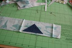 badskirt: Airplane Block Tutorial Airplane Quilt, Quilt Blocks Easy, Picnic Blanket, Outdoor Blanket, Barn Quilt Patterns, Missouri Star Quilt, Baby Quilts, Projects To Try, Sewing