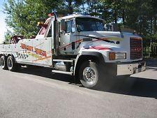 heavy duty tow truck 1997 Mack Century 5230 wrecker unit