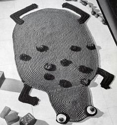 NEW! Frog Rug crochet pattern from Knit & Crochet with Heavy Rug Yarn, Star Book No. 191.
