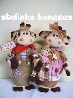 modello mucca- instructions in portugese but a good pattern! Diy Crafts For Gifts, Fall Crafts, Handmade Crafts, Christmas Crafts, Fabric Animals, Felt Animals, Craft Projects, Sewing Projects, Cow Parade