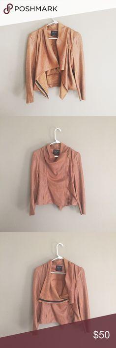 soft suede moto jacket love tree camel brown suede moto jacket (not zara) | super soft & warm! | worn twice. no flaws. like nwot🎉 Zara Jackets & Coats Utility Jackets