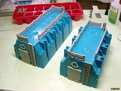 Blue gang boxes from the hardware store electrical aisle - best bunkers ever! Game Terrain, 40k Terrain, Wargaming Terrain, Box Building, Model Building, Sci Fi Miniatures, Diy Table Top, Warhammer Terrain, Back In The Game