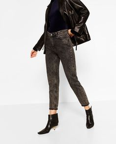 Image 2 of MOM HIGH WAIST JEANS from Zara