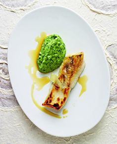 Rezept Gebratener Zander mit Petersilienpüree und Zitronensauce von Yvonne Schwarzinger aus dem Kochbuch Kräuter - Vielfalt, die glücklich macht