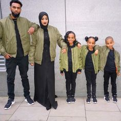 Pin by Extrovert clothing on muslimah Cute Family, Family Goals, Beautiful Family, Couple Goals, Family Picture Outfits, Matching Family Outfits, Couple Outfits, Family Portraits, Family Photos