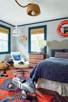 Gathered :: Wilmington, NC Lindsey and Grayson Cheek's 1928 Colonial home renovation. Lindsey is the Owner and Principal Designer of Gathered, a full-service interior design firm + curated boutique in Wilmington, NC.