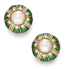Wallis Simpson, Duchess of Windsor Wallis Simpson, Royal Jewelry, Vintage Jewelry, Steel Jewelry, Fine Jewelry, Windsor, Diamond Tops, Danielle Steel, Diamond Earing