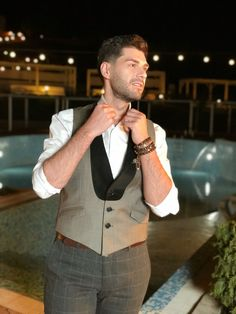 Add some refinement to your outfit with this slim fit waistcoat made of merino wool blend. Men's Waistcoat, Smart Casual, Vests, Merino Wool, Wool Blend, Barbie, Slim, Fitness, Outfits