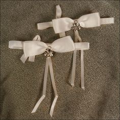 Accent Bows - Allure - Ivory