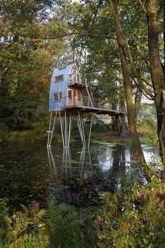 cabin in the woods...on stilts | @meccinteriors | design bites