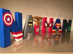 On a tous un super héros à la maison... Matériaux : Lettre ou symbole en papier mâché, peinture acrylique et accessoires en fonction du thème Dimension des lettres poss - 18135416
