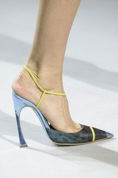 Christian Dior Spring Summer RTW 2013 Paris A terrible fitting shoe Pretty Shoes, Beautiful Shoes, Awesome Shoes, Dior Fashion, Fashion Shoes, Paris Fashion, Sexy Heels, High Heels, Special Occasion Shoes