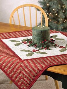 Festive Holly Table Cover only everyday use and square. Table Runner And Placemats, Table Runner Pattern, Quilted Table Runners, Christmas Sewing, Christmas Crafts, Christmas Decorations, Christmas Quilting, Xmas, Purple Christmas