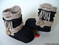Stiefel & Booties - OktoberNacht Babyschuhe - ein Designerstück von strickliene bei DaWanda