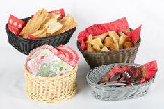 Hojaldres y buñuelos. Tradicionales en las celebraciones navideñas. Ofrécelas en estas prácticas canastas.