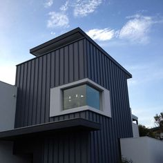 Metal Cladding Systems on the Bonbeach Build by The Cheshire Cat Zinc Cladding, House Cladding, Exterior Cladding, Wall Cladding, Facade House, Metal Facade, Metal Siding, Metal Buildings, Facade Architecture
