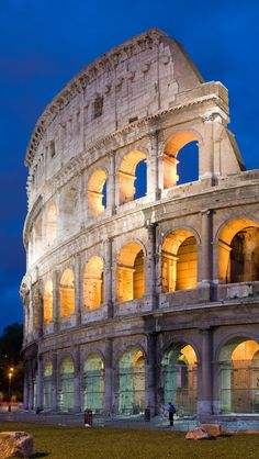 The complete guide to Rome Italy travel. From where to stay to what activities to do, we have you covered in this Rome Italy travel guide!