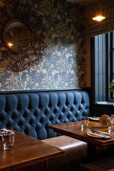 Pub Interior, Coffee Shop Interior Design, Decoration Restaurant, Pub Decor, Hotel Decor, Design Café, Cafe Design, Modern Restaurant Design, Luxury Bar