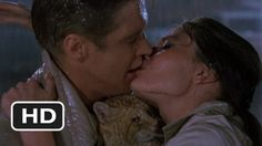 Breakfast at Tiffany's movie clip. The best ending to a movie ever. Audrey Hepburn, George Peppard and Cat. Breakfast At Tiffany's Movie, Breakfast At Tiffanys, Eat Breakfast, Movie Kisses, Kissing In The Rain, Chick Flicks, Lovey Dovey, New Trailers, Notting Hill