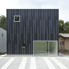 N House, cedar-panelled box - Shiga, Japan | house . Haus . maison | Architect: TOFU |