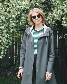 Look great, stay dry, with Stutterheim's Green Mosebacke Women's Raincoat. No need to sacrifice style in a downpour with the Mosebacke Raincoat. Green Raincoat, Have A Lovely Weekend, Raincoats For Women, Slow Fashion, Looks Great, How To Wear, Mac, Nerd, Instagram