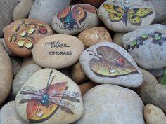 pet rocks upcycled !!! http://pedrabrasilmmoraes.blogspot.com.br/p/pedras.html