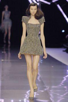 Alexander McQueen Spring 2008 Ready-to-Wear Fashion Show - Egle Tvirbutaite