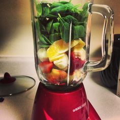 Green smoothie time! Starting to drink this as a meal replacement.. Keeps you energized and burns fat all day long.  2 handfuls baby spinach 1/2 banana 6 strawberries  1 naval orange 1 cup vanilla almond soy milk!