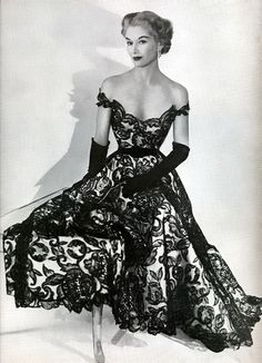 Wish I could dress like this everyday! 1951 when women were classy and beautiful