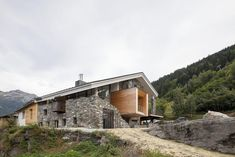 Дом из камня от архитектора Christian Girard