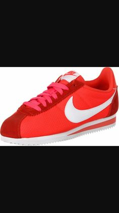 Nike Classic Cortez 15 Nylon W schoenen rood neon Nylons, Nike Classic Cortez, Vans, Nike Cortez, Montana, Sneakers Nike, How To Wear, Outfits, Shoes