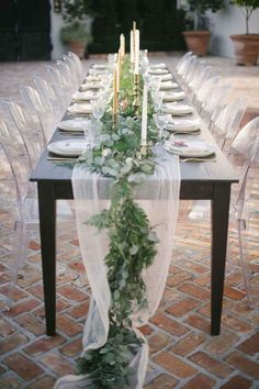 Best Wedding Reception Decoration Supplies - My Savvy Wedding Decor Deco Floral, Floral Design, Diy Wedding Decorations, Bridal Shower Table Decorations, Banquet Table Decorations, Simple Table Decorations, Diy Table, Inexpensive Wedding Centerpieces, Head Table Decor