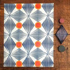 Stamp Printing, Printing On Fabric, Screen Printing, Block Print Fabric, Pinguin Illustration, Fabric Patterns, Print Patterns, Stamp Carving, Fabric Stamping