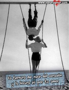 Imagen de amor de una pareja de esposos haciendo una locura divertida de amor cerca al mar - http://goo.gl/9wpBZm #Imagenesdeamor, #Imagenesdeparejas