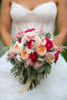 Bouquet by Holly with Posy Floral Designs Photo by Sherri Barber
