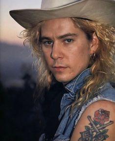 Duff McKagan Guns N Roses, Gilby Clarke, Saul Hudson, Appetite For Destruction, Sweet Child O' Mine, Duff Mckagan, Welcome To The Jungle, Axl Rose, Duffy
